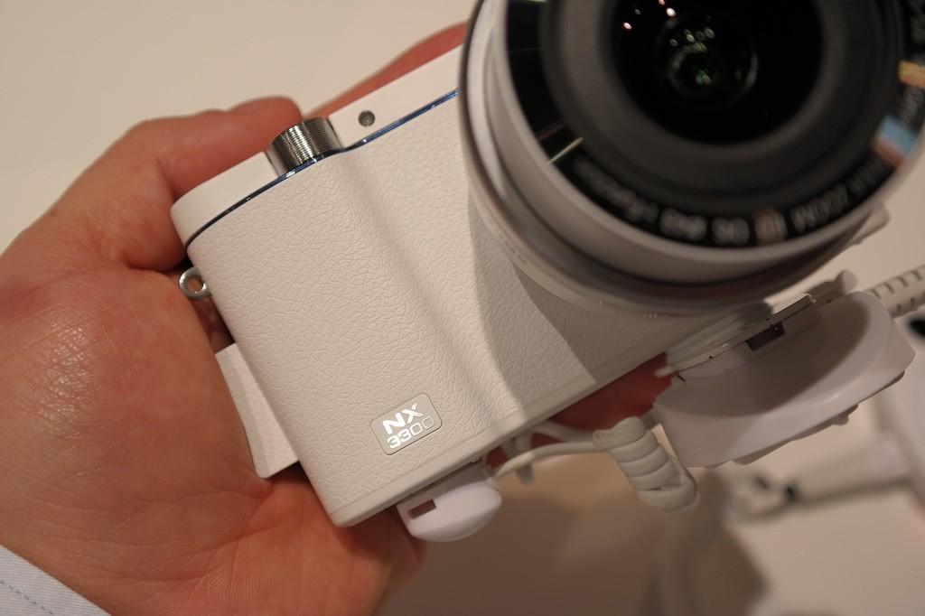 Samsung_NX3300