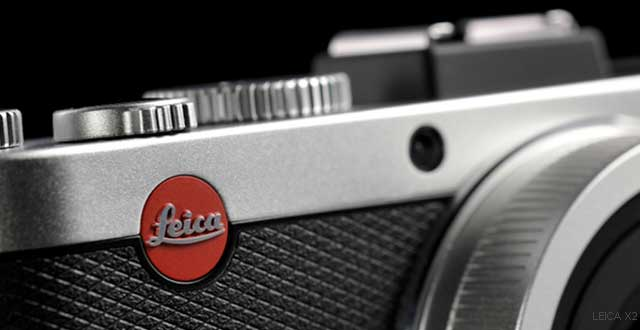 camera-leica-logo-on-fro