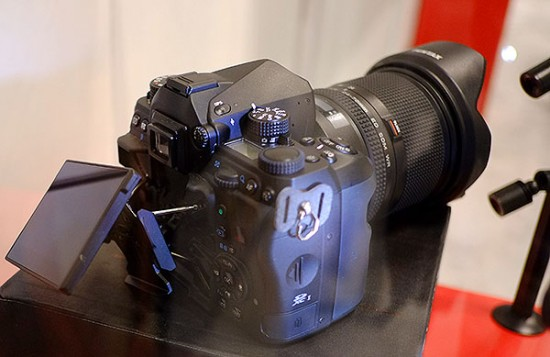Pentax-full-frame-DSLR-camera2