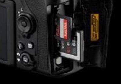Nikon-D850-memory-card-slots