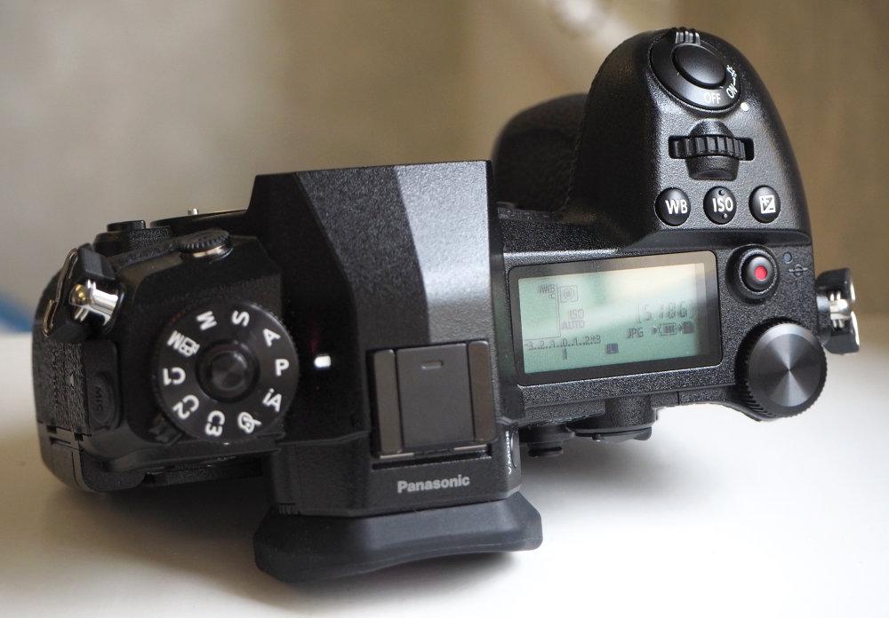 1000-Panasonic-Lumix-G9-3